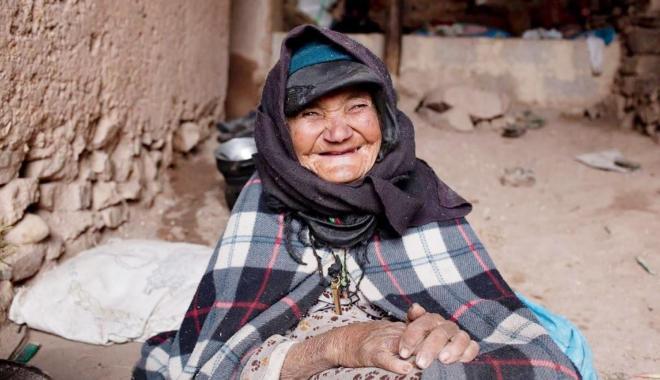 دراسة.. النساء المتفائلات أطول عمرا من المتشائمات