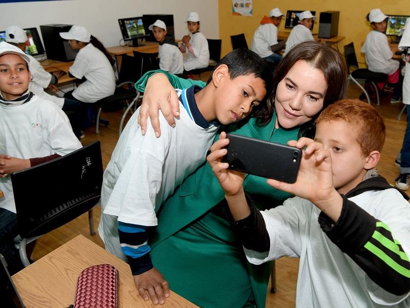 بالصور.. الأميرة للا حسناء تقوم بزيارة للمدرسة الإيكولوجية بعين عودة