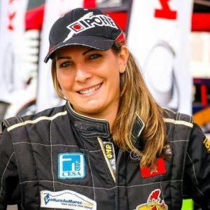 مونية لوليدي .. أول مغربية عربية تتألق في عالم سباق السيارات