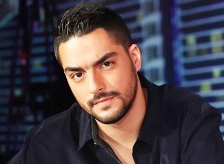 حسن الشافعي يرزق بطفلة ويطلق عليها اسم مطربة تونسية